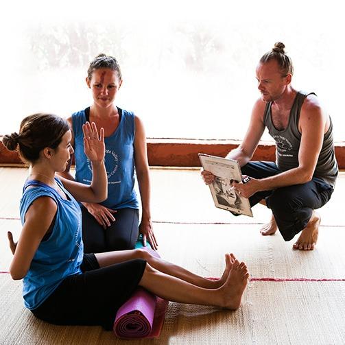 yoga anatomy teacher and students