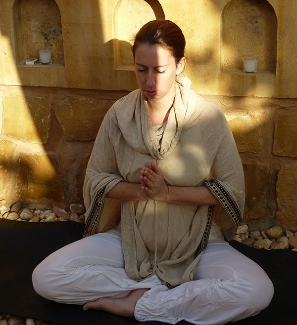Viriam Kaur in meditation